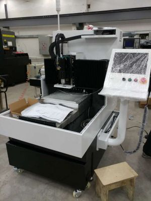 Engraving machine for embossing tools