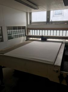Samplemaker for making folding carton and corrugated samples