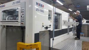 YOCO Automatic die-cuttind and creasing machine