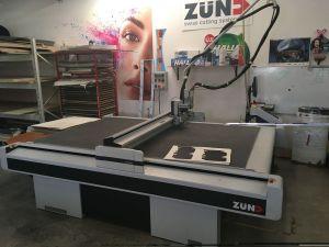 ZUND G3 L-2500 Mesa de corte digital, ploter de muestras
